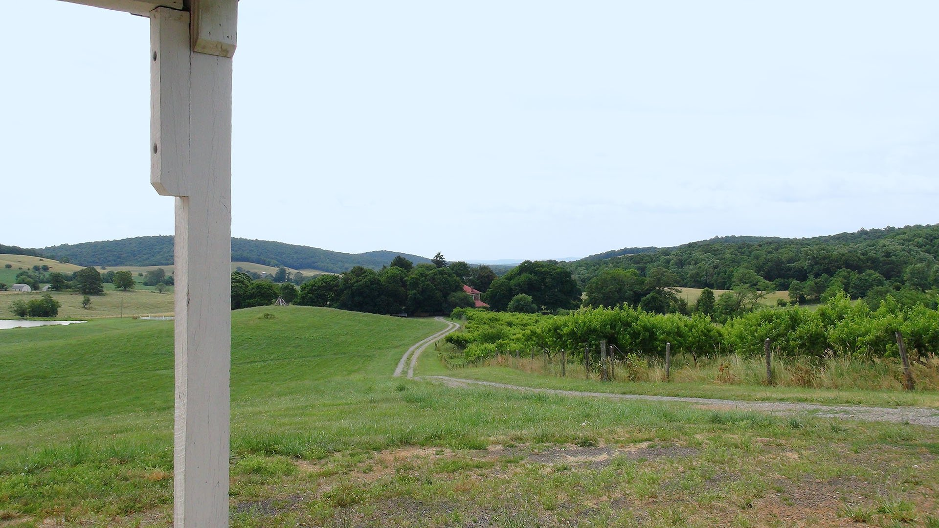 Valley View Farms Red Barn portico view