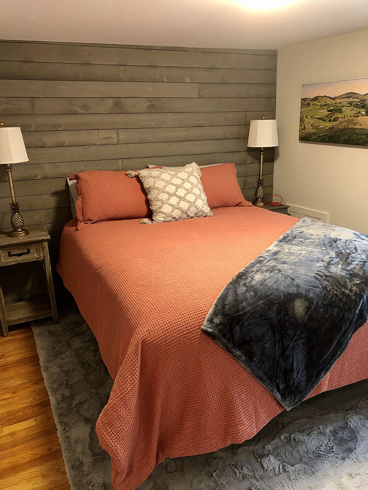 Fauquier Winery Lodging - the Farmhouse Suite at Valley View Farm - bedroom accommodations