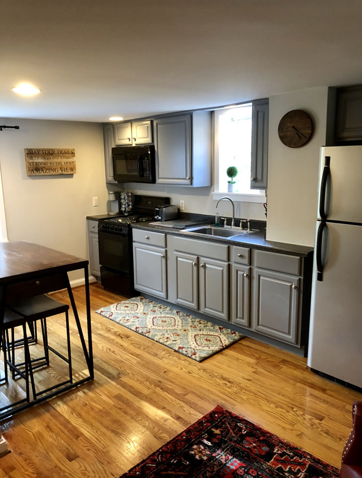 Remodeled Kitchen of the Farmhouse Suite at Valley View Farm