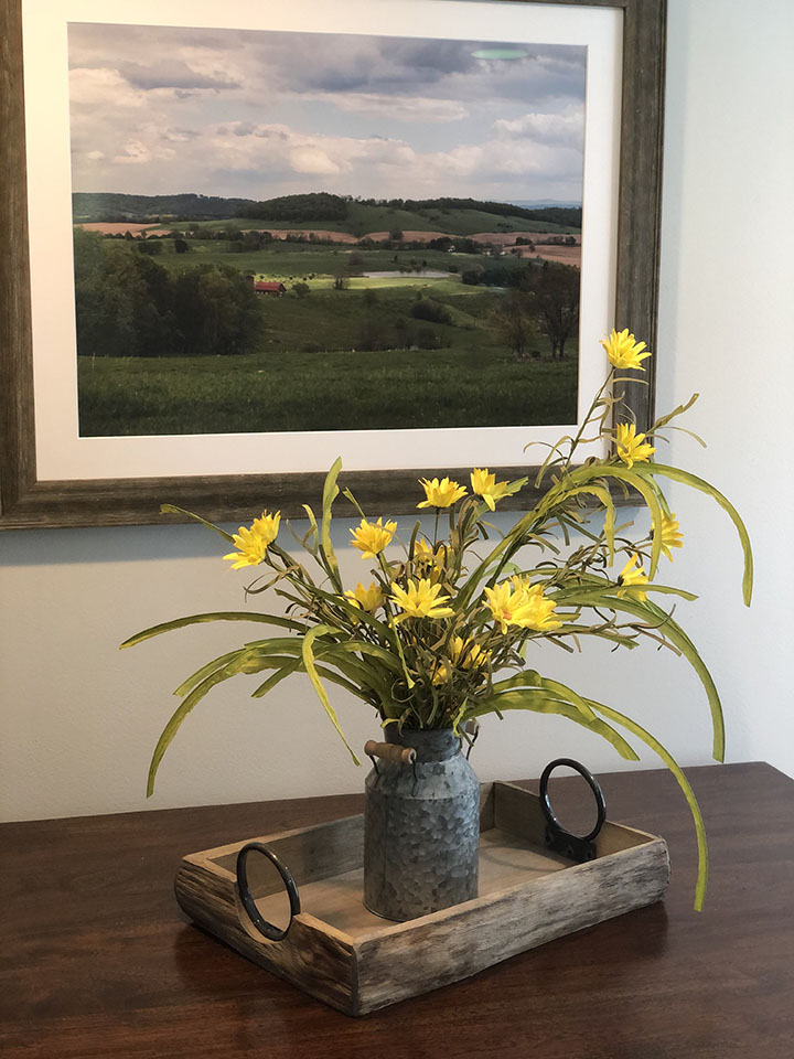 Rustic Centerpiece on Kitchen Table of the Farmhouse Suite at Valley View Farm